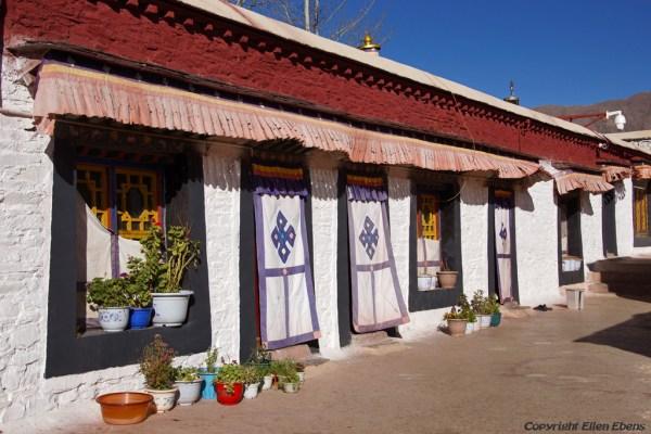 Monks houses on the second floor of Thandruk Monastery