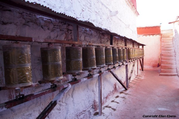 Prayer wheels at Kamadang Temple