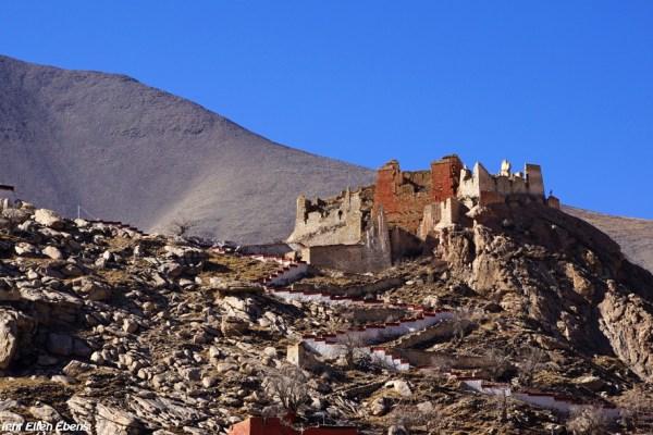 The ruins above Puntsholling Monastery
