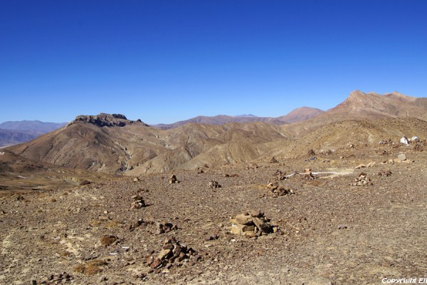 View from the Tso La pass (4,600m) between Sakya and Shigatse