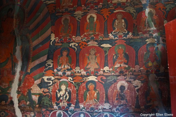 Old murals inside the Gyantse Kumbum Stupa