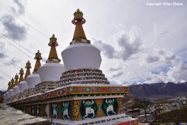 Yushu Gyêgu Monastery stupas