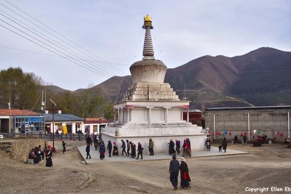 Xiahe Labrang Monastery stupa