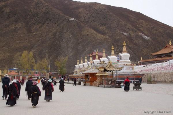 Yushu Gyanak Mani Temple