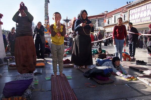 Lhasa prostrating