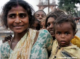 Mother and son at the city of Ujjain