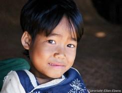 A boy somewhere along the way to Pindaya