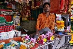 Vendor near a temple, Mumbai
