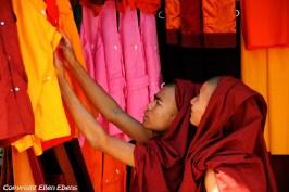 Yangon, shopping monks near the Swedagon pagoda