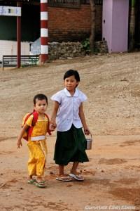 Kyaikto: school children
