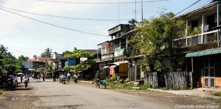 Toungoo, street life
