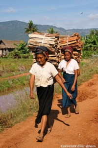Inle Lake, women on their way to the local market
