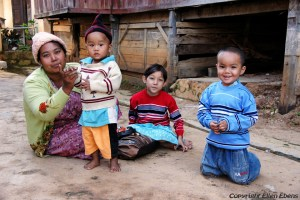 Inle Lake, mother with her children