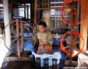 Inle Lake, little weaving factory