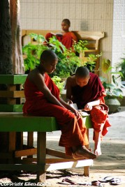 Amarapura, monks at the Mahagandayon Kyaung Monastery