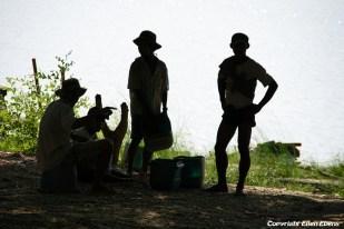 Pyay, men at the riverside