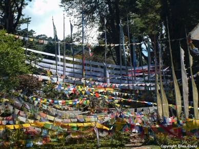 Dochu La pass stupas