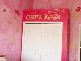 Updated closet wall with hand lettered name in a teen girl's room by Ellen Leigh
