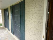 Scroll stencilled porch walls by Ellen Leigh