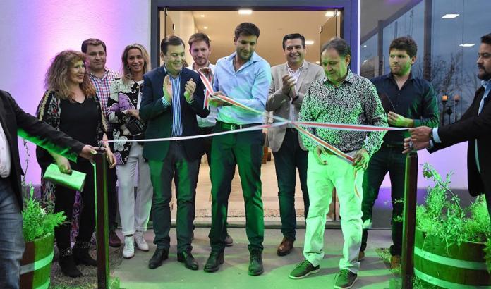 Gerardo Zamora asistió a la inauguración de la primera bodega que producirá vino netamente santiagueño.