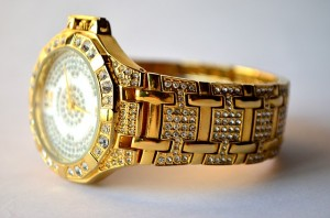 reloj oro diamantes