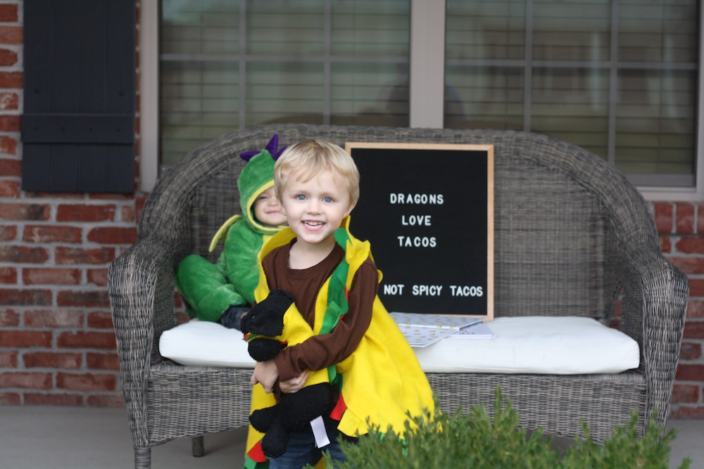 Dragons Love Tacos - Halloween 2017 | Ellie And Addie