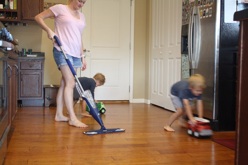 Beautiful Floors with Bona | How to clean your hardwood floors with Bona from St. Louis Family and Lifestyle Blogger Liz from Ellie And Addie