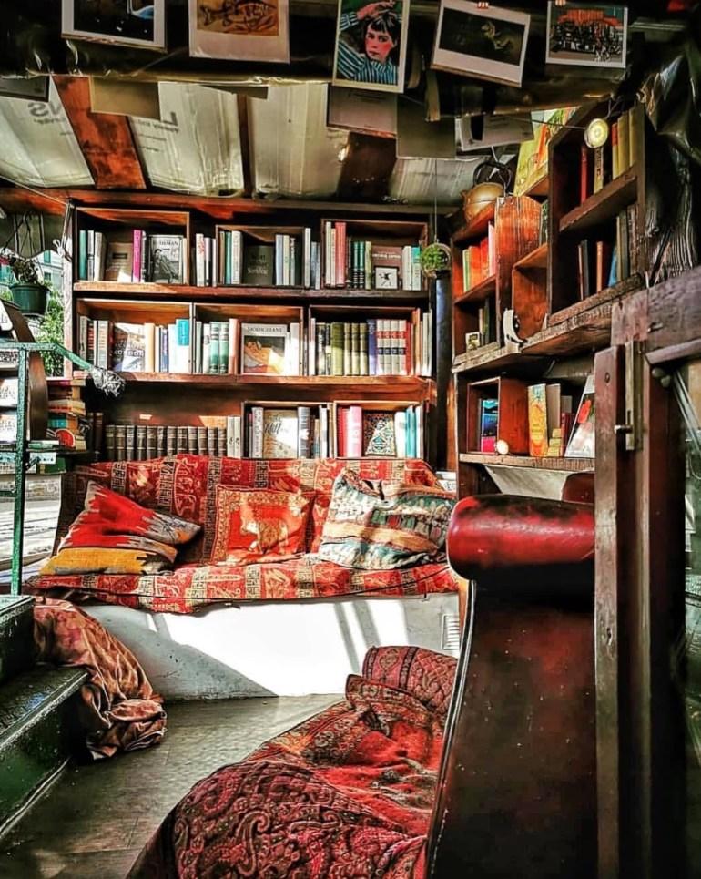 floating london bookshop