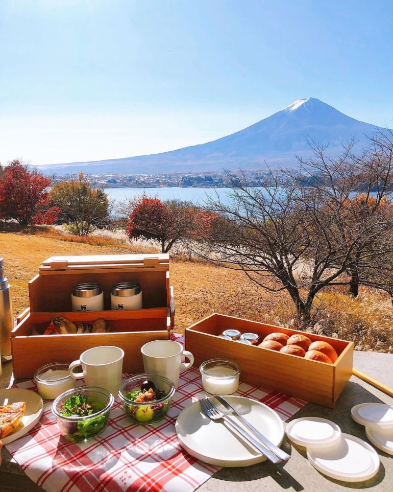 breakfast with a view of mount fuji