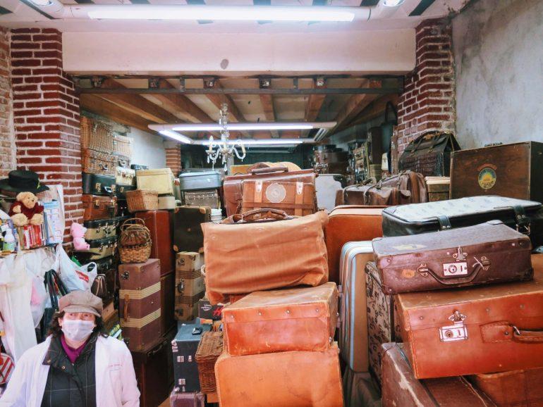 vintage suitcase shop