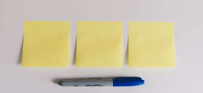"Three yellow sticky notes and a blue marker - ""Hate Notes"" flash fiction"