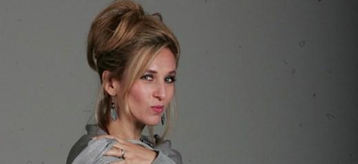 Ελληνίδα πρωτης γενιάς, ηθοποιός στο Περού, οπαδός του Καβάφη