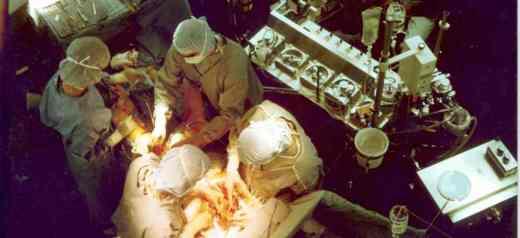 """The Greek surgeon who """"kills"""" tumours"""
