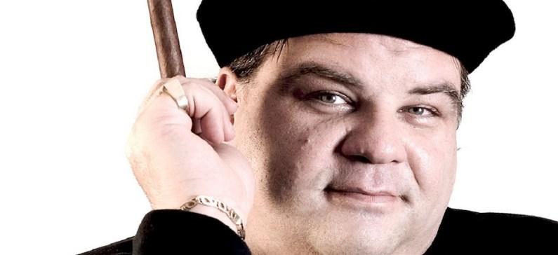 Ο πληθωρικός Ελληνο-Καναδός κωμικός με το μεγάλο ταλέντο