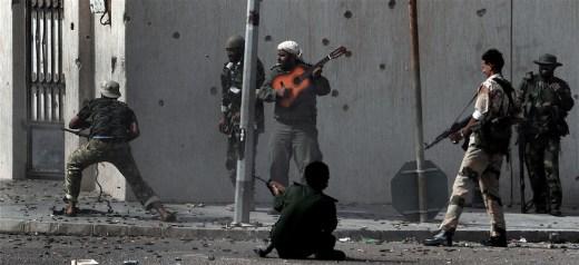 Κανένας πόλεμος δε σταματά το πάθος του για τη φωτογραφία