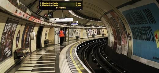 Ελληνική ποίηση στο μετρό του Λονδίνου