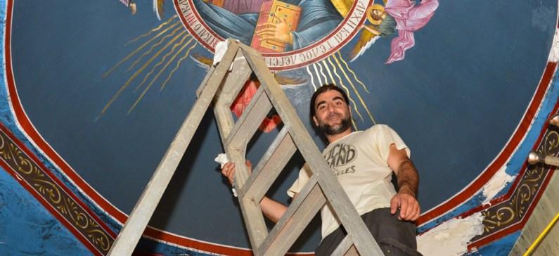 Ένας από τους ελάχιστους καλλιτέχνες δημιουργούς βυζαντινών μωσαϊκών στις ΗΠΑ