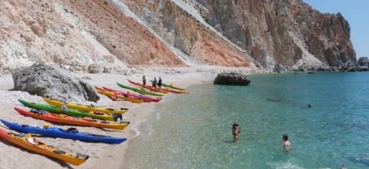 Τα κορυφαία ελληνικά νησιά για περιπετειώδεις διακοπές