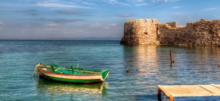 Ελληνικό νησί στα 10 καλύτερα μέρη στην Ευρώπη για λάτρεις του νερού