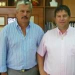 Ο Δήμαρχος Τρικκαίων Μιχάλης Ταμήλος, αριστερά, και ο Πρόεδρος της Συνομοσπονδίας Θεσσαλικών Ομοσπονδιών και Συλλόγων Διαμαντής Γκίκας