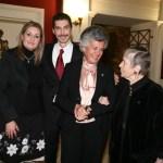 Ο Νίκος Φλώρος μαζί με τη γραμματέα του Ιδρύματος Νεκταρία Σαράντου, Τέτη Γεωργαντοπούλου και την Ελένη Αρβελέρ