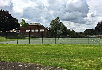 Tennis courts at Finedon by En Tout Cas