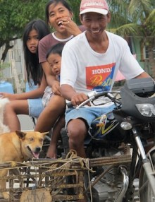 dog-rabies-vaccination-Philippines-family