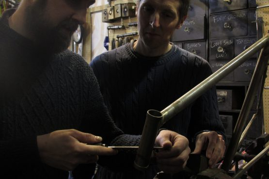demonstrating lug filing