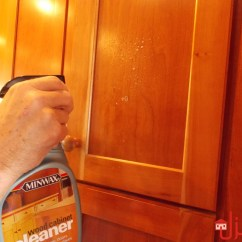 What To Clean Grease Off Kitchen Cabinets Retro Set تنظيف خشب المطبخ من الدهون المنزل معلومتك عندنا