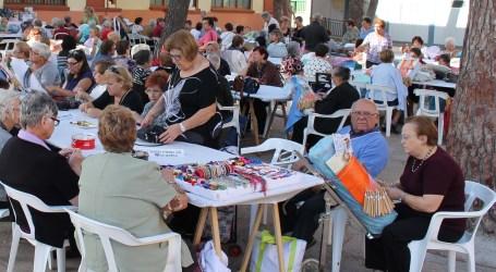 Albal celebra su décima edición de bolilleras con 200 participantes