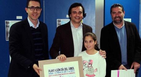 Más de 1.300 escolares de Manises participan en el concurso de carteles del Día del Árbol