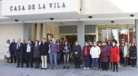 Mislata celebra un minuto de silencio en memoria de la última víctima de violencia de género
