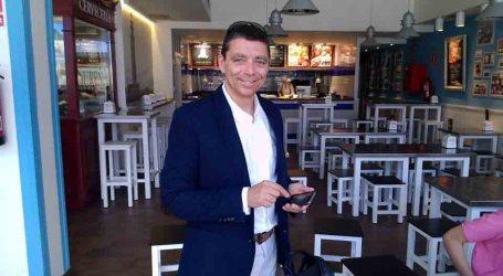 El candidato de UPyD Paterna quiere 'whatsappear' contigo