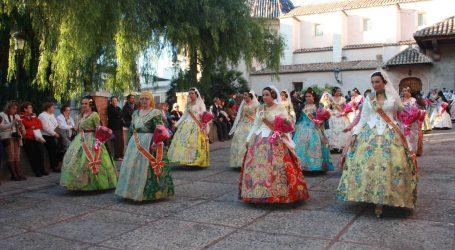 Solidaridad fallera en la Ofrenda a la Virgen de la Cabeza de Burjassot